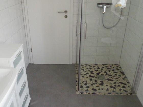 Begehbare Dusche Glasscheibe : Die Ebenerdig Begehbare Dusche Bilder Zimmer Forsthaus Heiligenberg