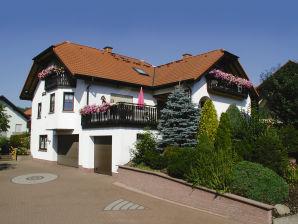 Gemütliche Ferienwohnung 45 m² mit großem überdachten Balkon