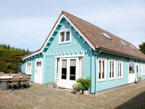 Ferienhaus im finnischen Stil ZE016