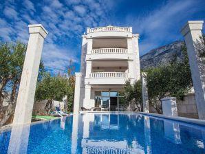 Ferienwohnung Penthouse in der Villa Luce