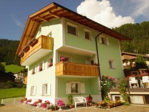 Ferienwohnung Apartments Latemar