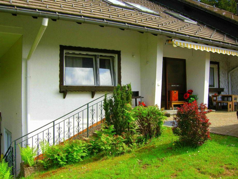ferienwohnung 2 zimmer im ferienhaus frey hochschwarzwald im breigau hinterzarten firma. Black Bedroom Furniture Sets. Home Design Ideas
