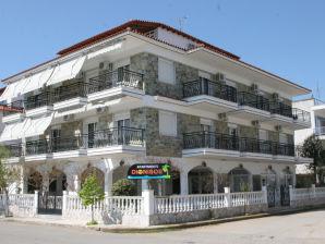 Aparthotel Dionisos 4