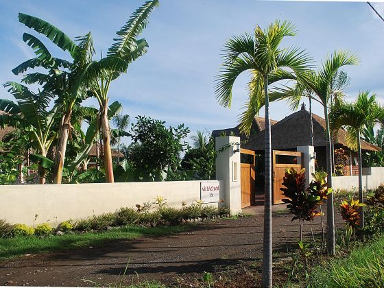 ferien paradies villa cerah indonesi n bali herr. Black Bedroom Furniture Sets. Home Design Ideas