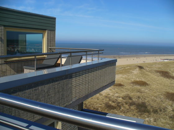ferienwohnung the penthouse nord holland bergen aan zee firma strandbergen firma frank und. Black Bedroom Furniture Sets. Home Design Ideas