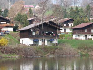 Ferienwohnung am See mit Seeblick EG links