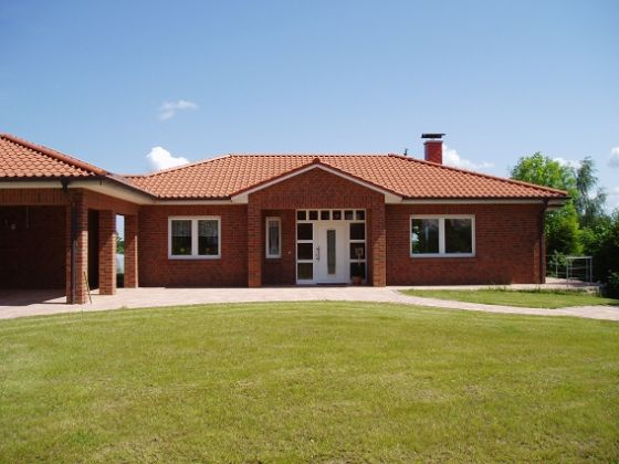 Related Image With Luxus Bungalow Grundriss Pictures to pin on ...