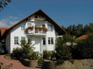 Gästehaus Hemmer - Ferienwohnung OG