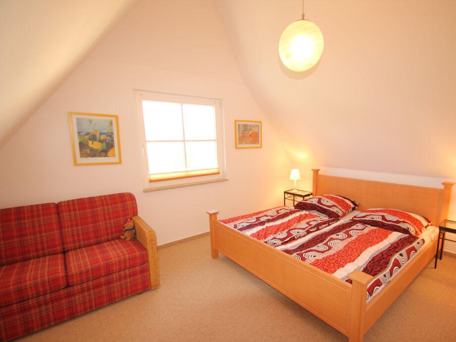 Schlafzimmer blau grau streichen ~ dayoop.com