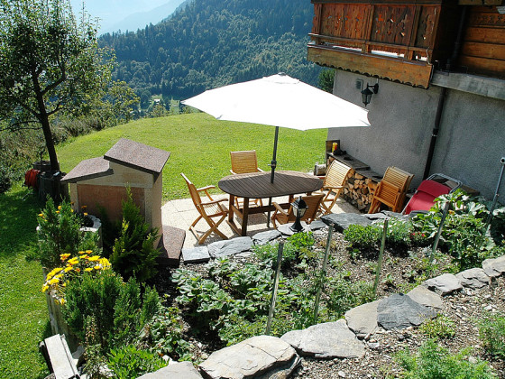 holiday apartment and studios chalet les combins  1100 m