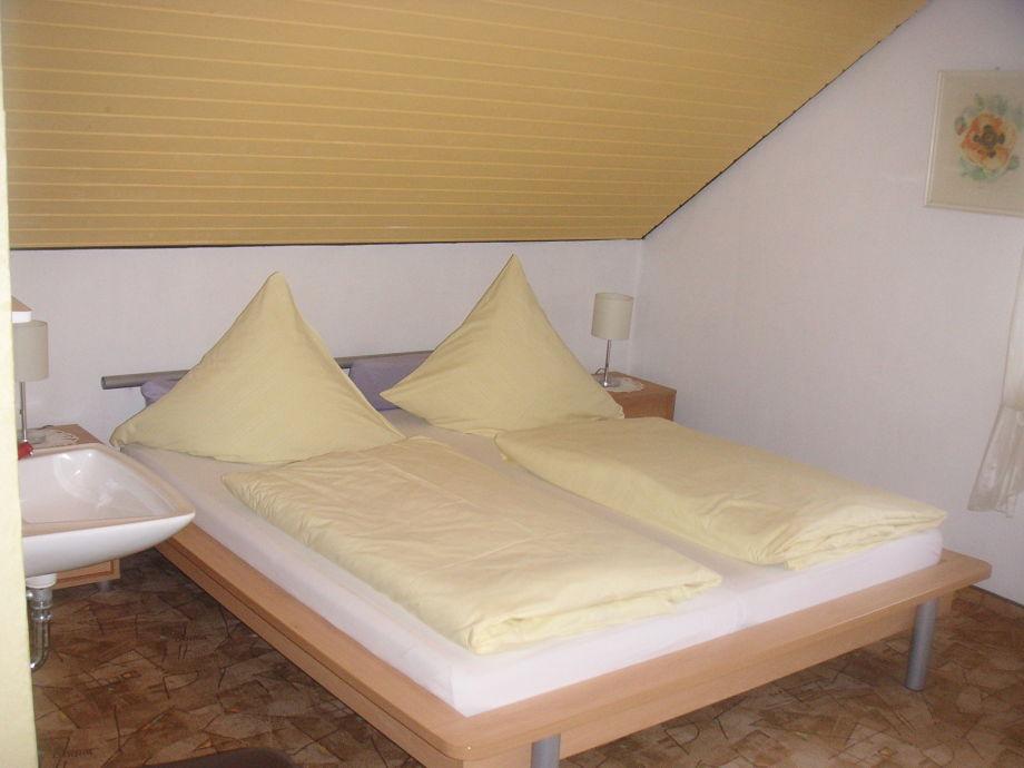 ferienwohnung irmgard 2 bayern fr nkische schweiz g weinstein frau irmgard p hlmann. Black Bedroom Furniture Sets. Home Design Ideas