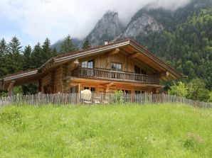 Chalet Naturstammhaus