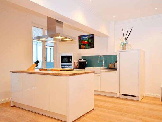 Pin Küchen In Weiß Mit Holz Gibt Es In Verschiedenen ...