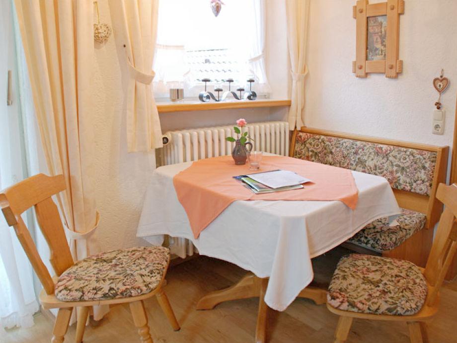 Ferienwohnung illertal kuschel 39 s panorama landhaus for Kleine essecke