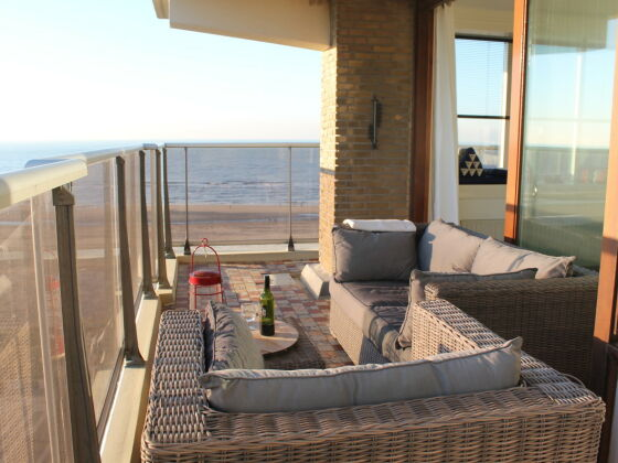 apartment sunset nord holland zandvoort firma. Black Bedroom Furniture Sets. Home Design Ideas
