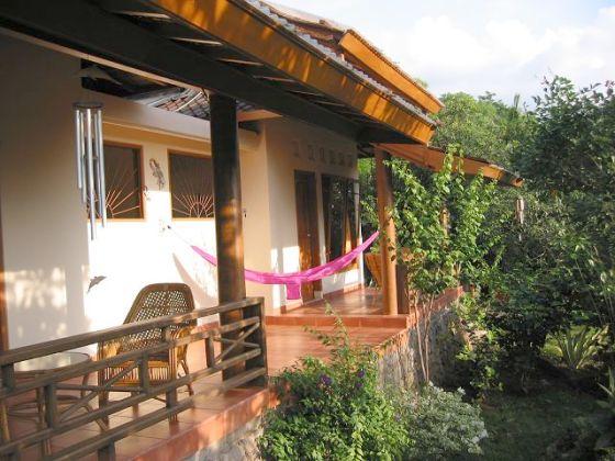 bungalow sananda standard indonesien bali selat firma. Black Bedroom Furniture Sets. Home Design Ideas