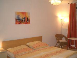 apartments ferienwohnungen f r 2 personen in wien mieten. Black Bedroom Furniture Sets. Home Design Ideas