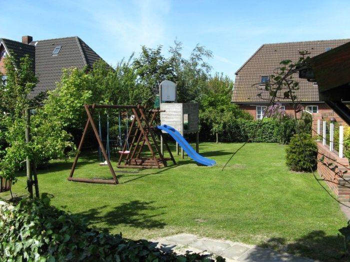 Großer Garten ideal für Groß und Klein