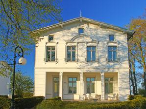 Black & White   Villa Schering