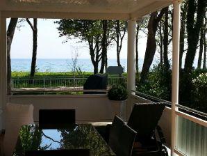 Ferienwohnung Strandhus - Nautilus - direkter Meerblick zur Ostsee