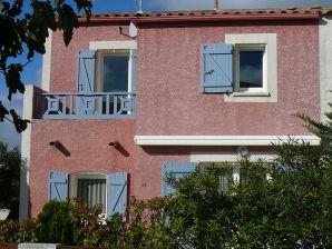 Sonniges Ferienhaus nur 400 m vom Mittelmeer
