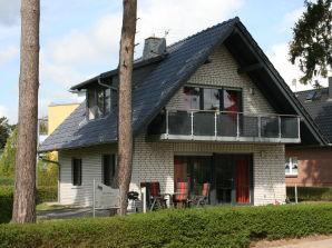 Ferienwohnung Haus Seestern (OG) im Müritzseepark Röbel