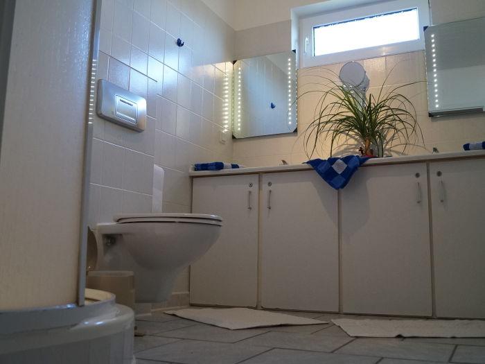 Bungalow strandnahes ferienhaus dorum neufeld land for Badezimmer mit doppelwaschbecken