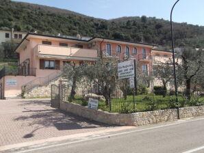 Ferienwohnung Villa Margherita mit Pool