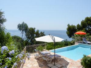 Villa mit beheizbarem Pool direkt am Meer bei Le Pradet
