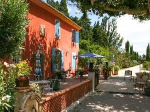 Restauriertes Landhaus mit Pool bei Isle-sur-la-Sorgue
