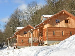 Berghütte am Waldrand