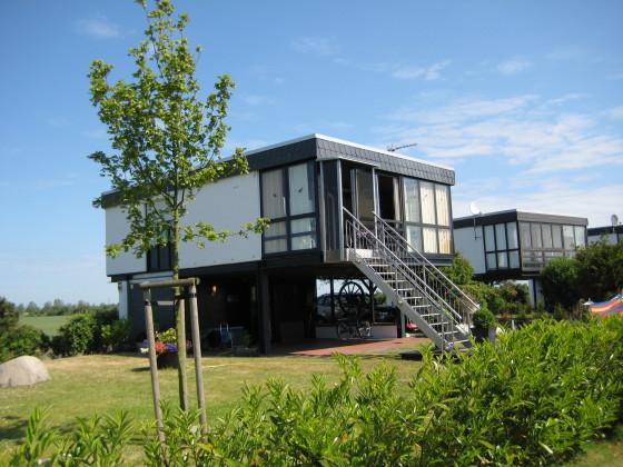 Ferienhaus erika m ller wagrische halbinsel ostsee for Modernes haus auf stelzen