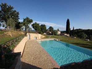 Hübsche, ruhige Ferienwohnung mit Pool bei Florenz