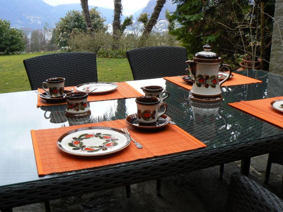 Ferienwohnung in der villa cipressi lugano frau for Villa puricelli