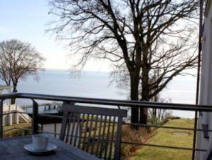 Ferienwohnung 07 OG1 Villa Nause mit Seeblick & Wellness
