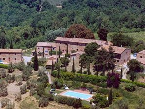 Weingut Orzale - 2-Zi.-Ferienwohnung mit Pool