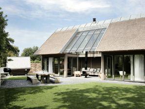 Villa mit Sauna und Patio-Feuerstelle in Schoorl