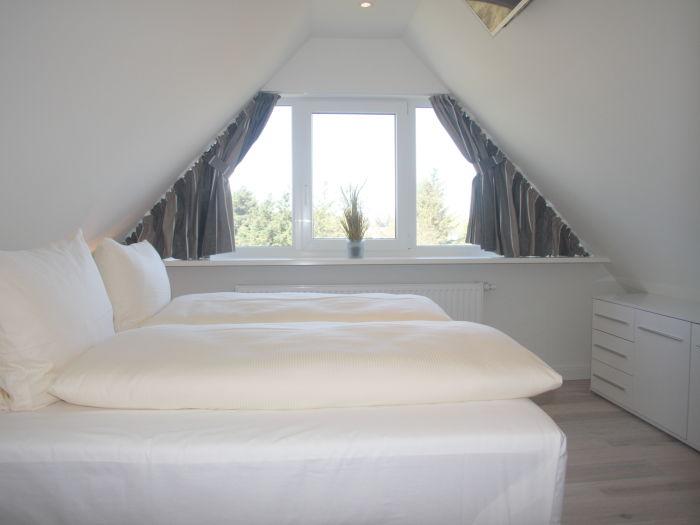 Ferienwohnung osterweg 73 schleswig holstein nordsee for Schlafzimmer dachgeschoss