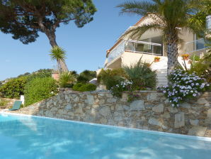 Villa STEMAX-057: Sainte Maxime