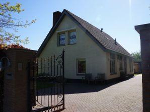 Villa De Burghse Hoeve