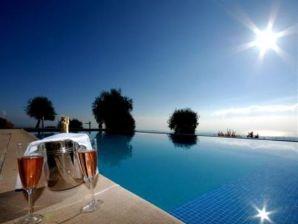Provenzalische & sehr exklusive Pool Villa