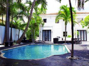 Apartment Villa Oprah at Miami Beach Golf Club