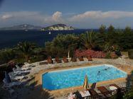 VILLA FLISVOS am Meer mit Schwimmbad