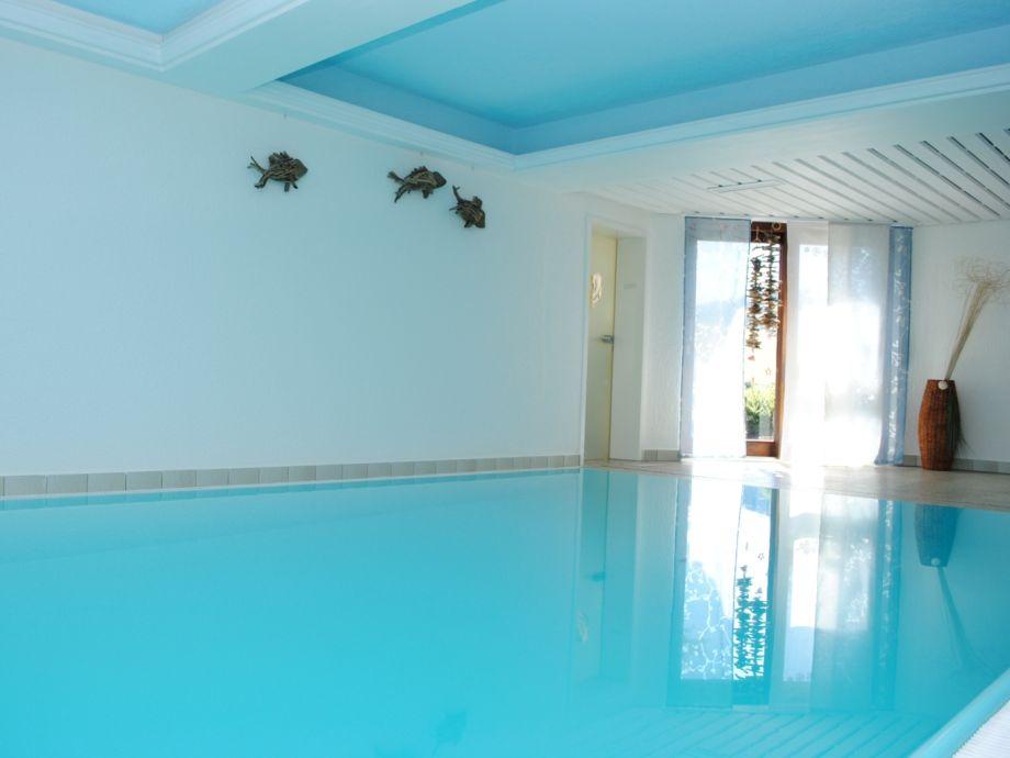 ferienwohnung medium mit indoorpool und sauna schwarzwald herr gruber. Black Bedroom Furniture Sets. Home Design Ideas