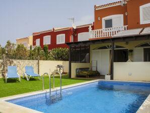 Ferienhaus Pelada mit privatem Pool