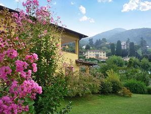 Ferienwohnung Flora - mit Dachterrasse
