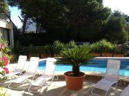 Neubau-Chalet, gr. Pool, nur 350m zum Strand, bis 7 Pers.