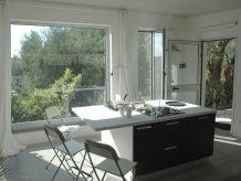 Modernes, neues Ferienhaus