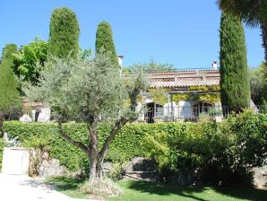 Villa Castelou