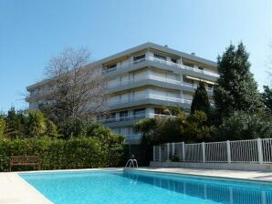 Apartment in Pool Residenz am Cap d'Antibes
